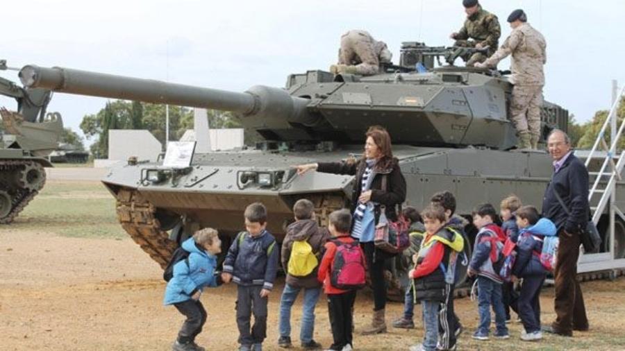 niños-tanque